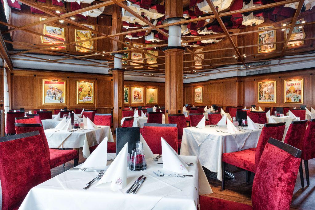 Bistro - Restaurant - neue Bestuhlung + Bilder