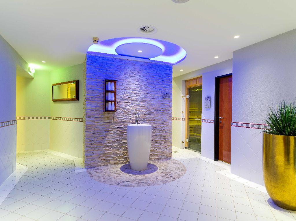 Brunnen Saunavorraum