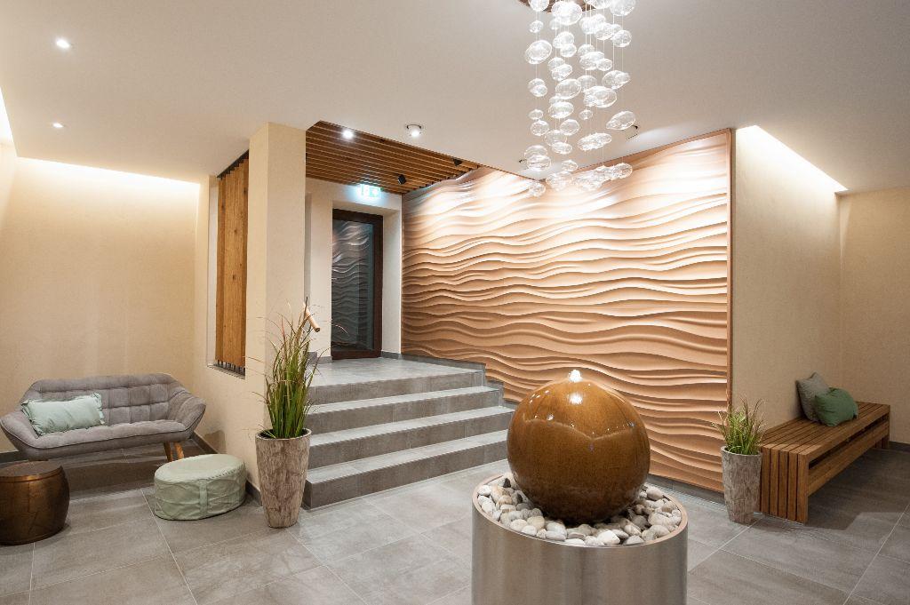 Foyer-Zugang von Hotel und Tiefgarage