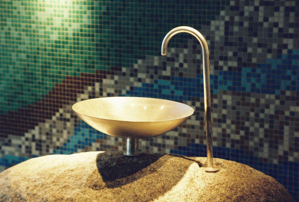Quellwasser-Brunnen
